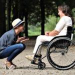 Invalidní důchod se v roce 2021 skládá ze základní složky důchodu (3550 Kč) a procentní sazby invalidního důchodu. Výše procentní sazby se odvíjí od stupně invalidity (I. až III. stupeň), získané doby důchodového pojištění a vypočítaného osobního vyměřovacího základu. Pro zjednodušený výpočet se dá vycházet i z aktuální hrubé mzdy – viz výpočet v naší kalkulačce.