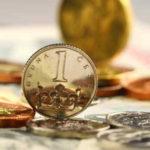 Tato půjčka nabízí možnost rychle sehnat peníze. Pro nové klienty je zde k dispozici 8000 Kč na 14 dní, bez poplatků, bez úroků a bez navýšení. Peníze můžete mít už do 15 minut na účtu v bance. Ještě dnes je můžete použít na cokoliv. Pro zaměstnance, pro důchodce i pro OSVČ.