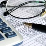 Následující online kalkulačka vám umožní spočítat si, kolik peněz byste dostali, pokud byste zůstali doma na neschopence kvůli nemocnému dítěti