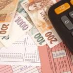 Tato online kalkulačka vám pomůže spočítat, jaká bude vaše nemocenská v době pracovní neschopnosti, a také to, jaká náhrada mzdy za nemoc vám přísluší v prvních 14 dnech.