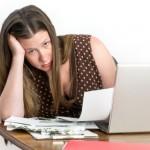 Na jaké sociální dávky má nárok matka samoživitelka, která se sama stará o své děti?