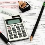 Na konci září 2014 schválil parlament vládní návrh, který obsahuje hned několik výrazných změn v oblasti daní. Patří sem třeba nová sazba DPH ve výši 10%, omezení výdajových paušálů u OSVČ nebo zavedení další daňové slevy